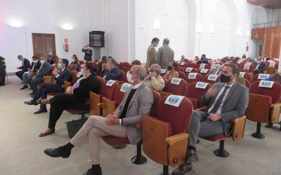 El encuentro ganadero de Ibercaja reúne a profesionales del sector en el Centro Cultural Santa Marina
