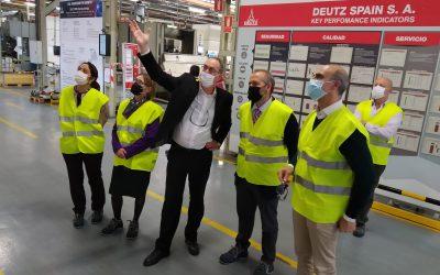 El consejero de Economía y el alcalde de Zafra visitan las instalaciones de Deutz Spain y su Escuela de Negocios